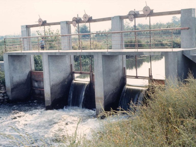 Sostegno irriguo Quattroluci, sul canale Diversivo Casalasco.