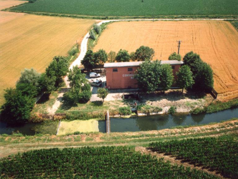 Impianto di derivazione irrigua dal canale Cazumentea, in località san Quirico di Quattrocase.